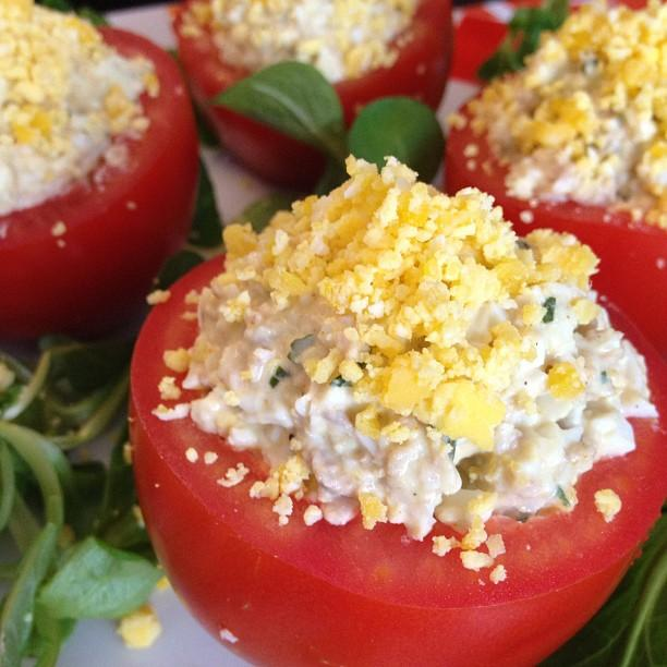 Recettes de tomates farcies au thon et oeufs les for Entree froide sympa