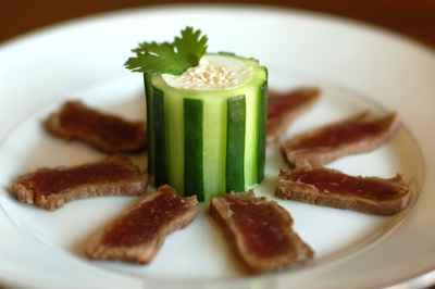 recette tataki de boeuf et son s same de concombre au. Black Bedroom Furniture Sets. Home Design Ideas