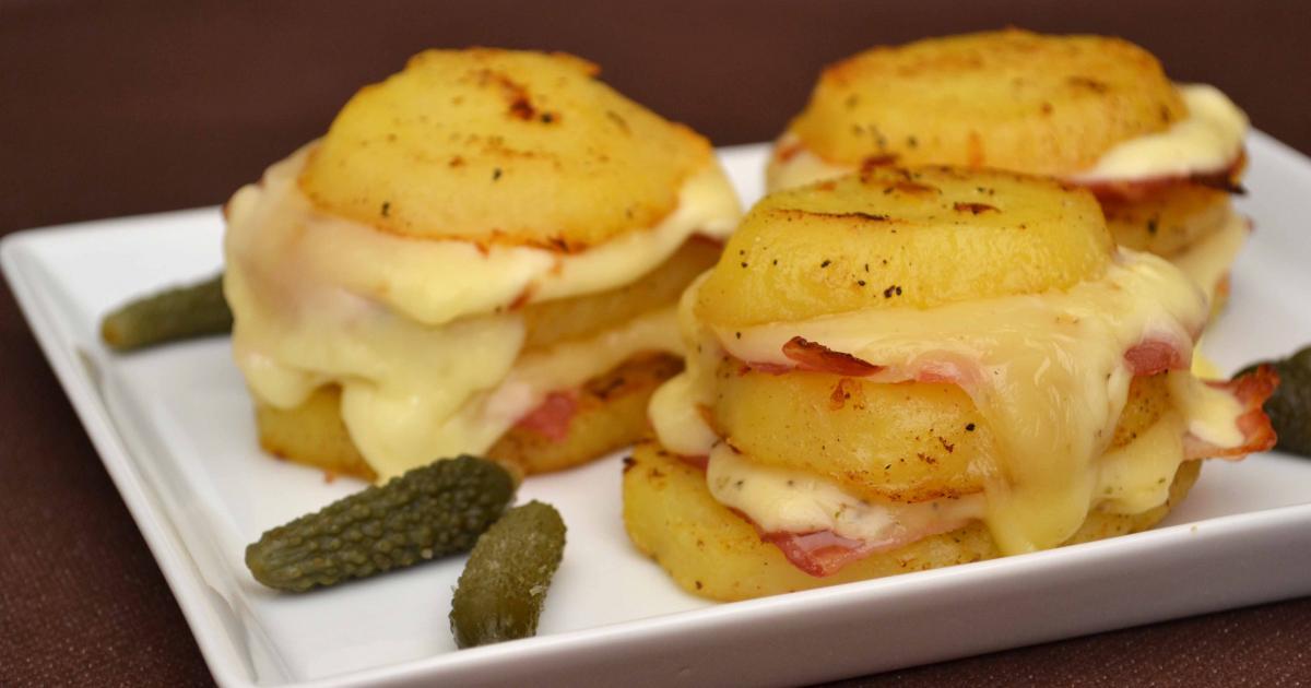 recette pommes de terre au fromage raclette et lard fum 750g. Black Bedroom Furniture Sets. Home Design Ideas