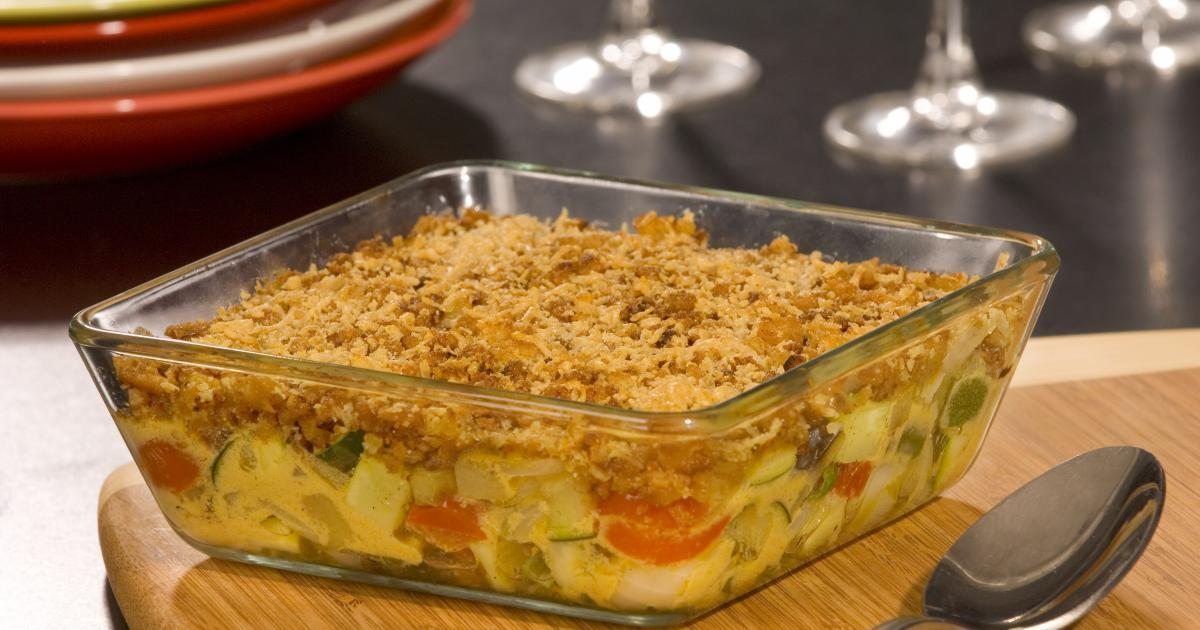 recette gratin de l gumes du soleil fa on crumble en vid o. Black Bedroom Furniture Sets. Home Design Ideas