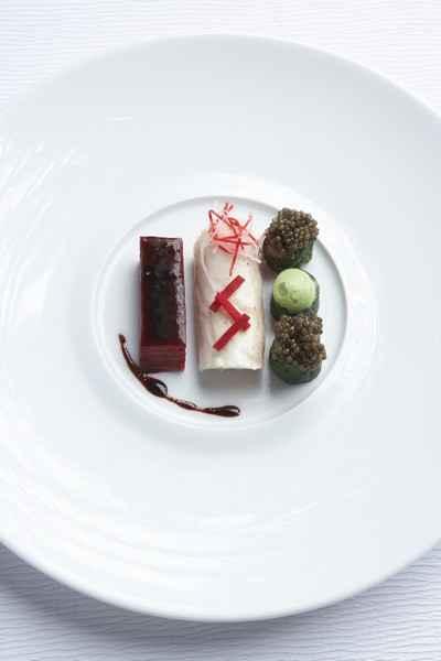 Recette bar de ligne betteraves rouges caviar osci tre d 39 iran 750g - Cuisiner des betteraves rouges ...