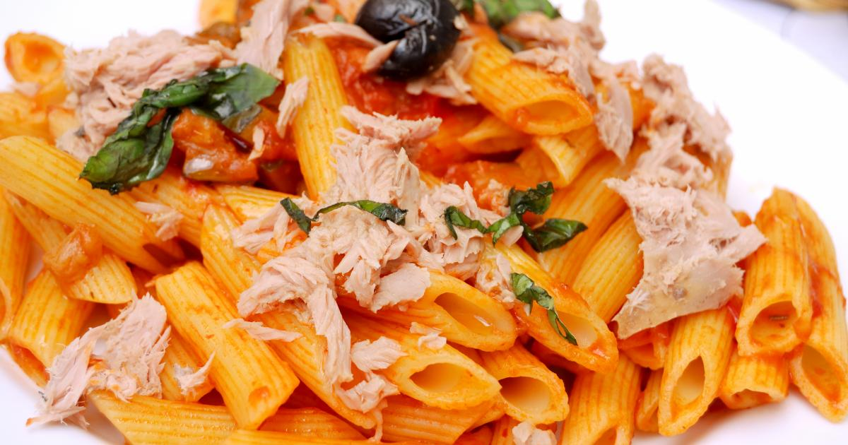 recette penne au thon tomates et basilic 750g. Black Bedroom Furniture Sets. Home Design Ideas