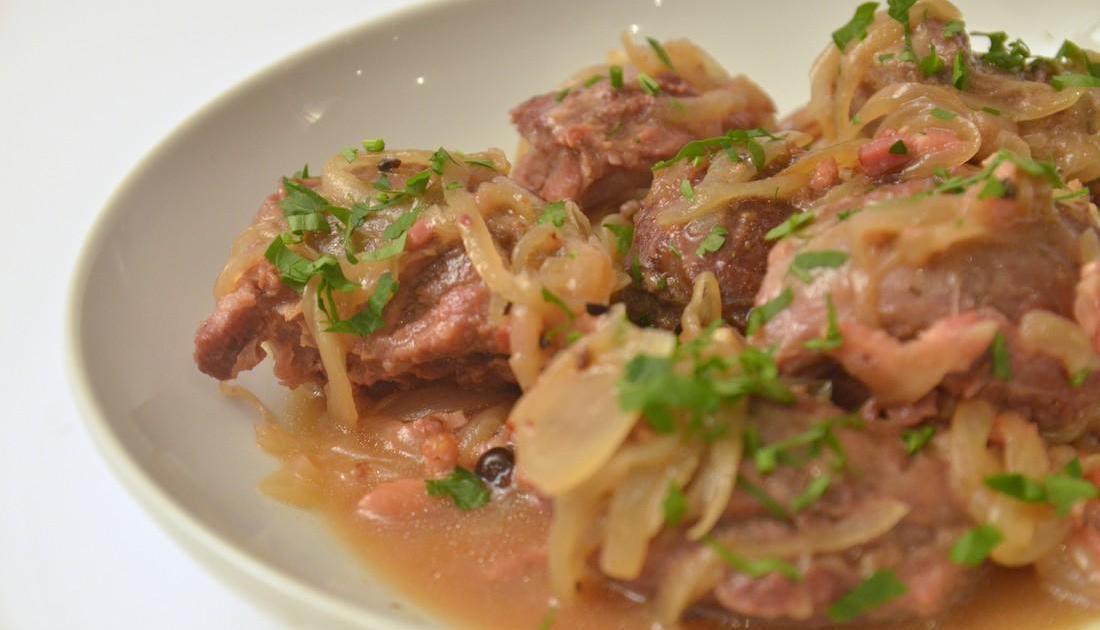 Recette joue de porc la bi re brais e en vid o - Cuisiner de la joue de porc ...