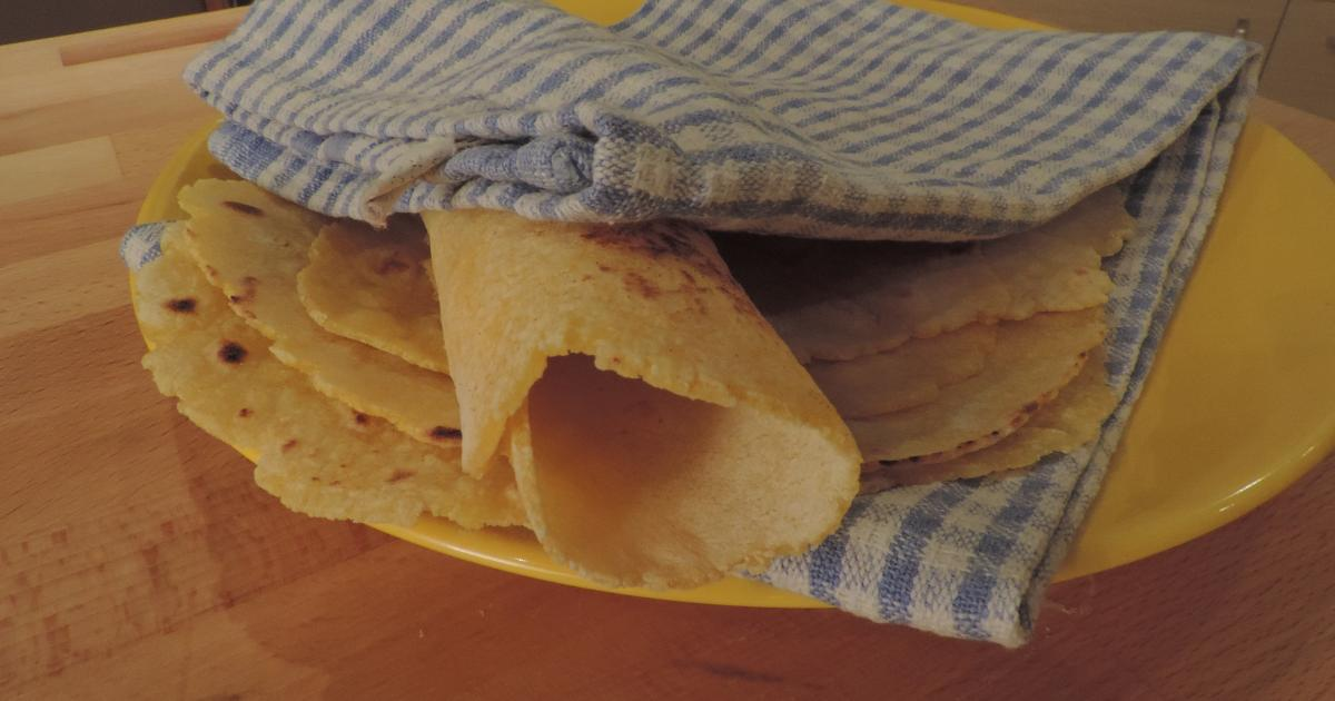 recette tortillas pour fajitas en vid o. Black Bedroom Furniture Sets. Home Design Ideas