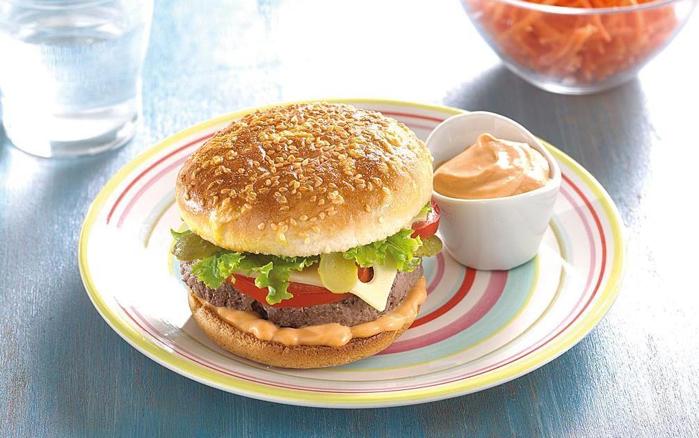 recette cheeseburger maison 750g. Black Bedroom Furniture Sets. Home Design Ideas