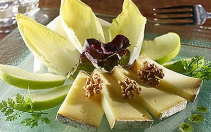 recettes de salade la tomme de savoie les recettes les mieux not es. Black Bedroom Furniture Sets. Home Design Ideas