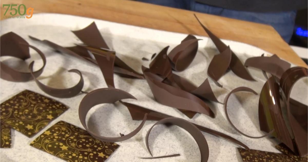 comment faire des d cors en chocolat vid o. Black Bedroom Furniture Sets. Home Design Ideas