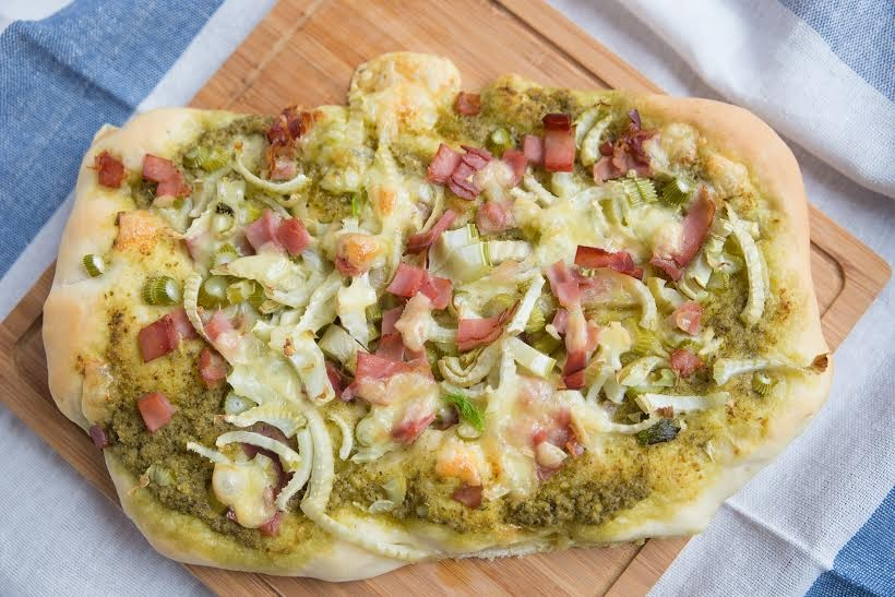 recette pizza pesto jambon et oignons 750g. Black Bedroom Furniture Sets. Home Design Ideas