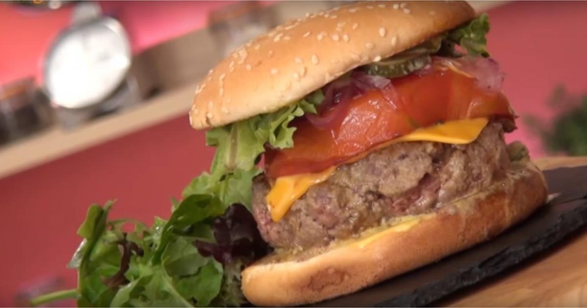recettes de burger au cheddar les recettes les mieux not es. Black Bedroom Furniture Sets. Home Design Ideas