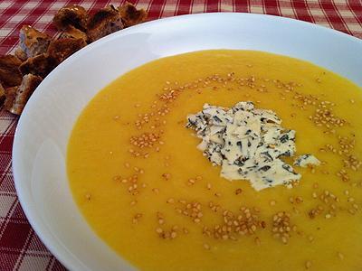 Recette soupe de l gumes et fenouil la fourme d 39 ambert - Graines de potimarron grillees a la poele ...