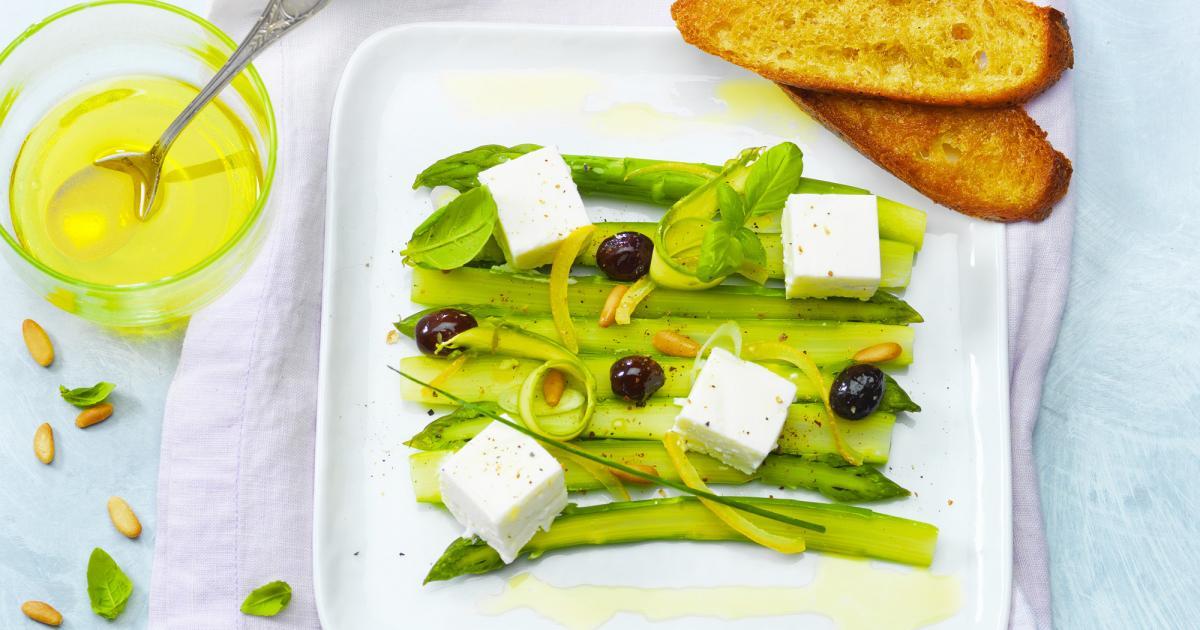 Asperges vertes, olives et citron au Carré Frais 0 % et herbes fraîches