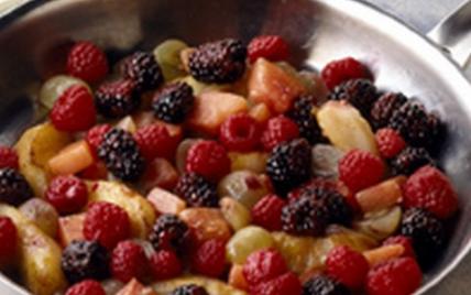 recette fricass e de fruits au jus de pain d 39 pices et de th 750g. Black Bedroom Furniture Sets. Home Design Ideas