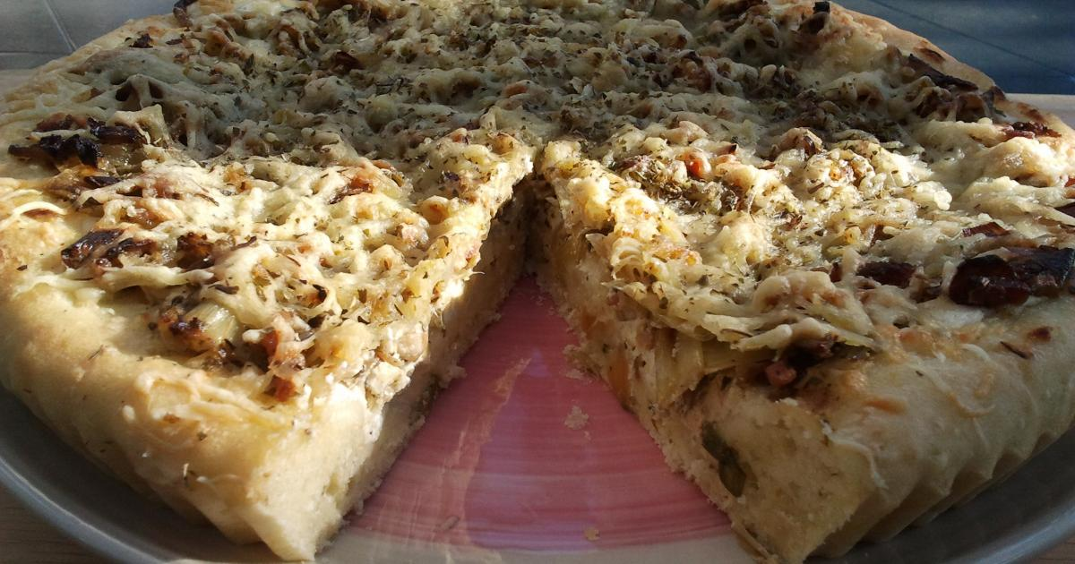 recette tarte aux poireaux fa on pizza 750g. Black Bedroom Furniture Sets. Home Design Ideas