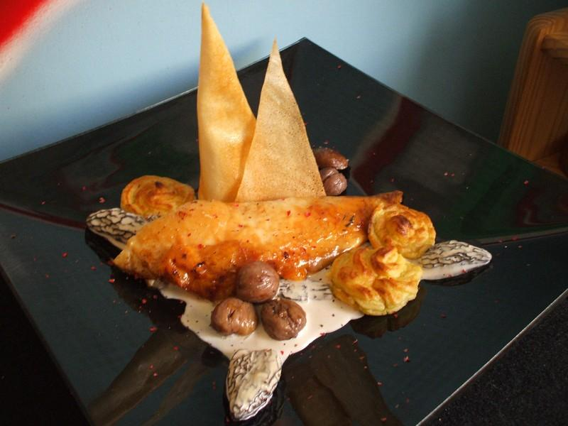 Recette dinde de no l aux marrons sa sauce aux morilles et ses pommes duchesse plat - Comment cuisiner des marrons ...