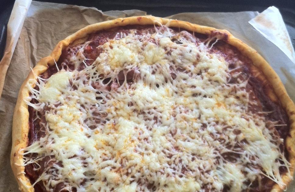 recette pizza au chorizo poivron rouge tomate et oignon 750g. Black Bedroom Furniture Sets. Home Design Ideas