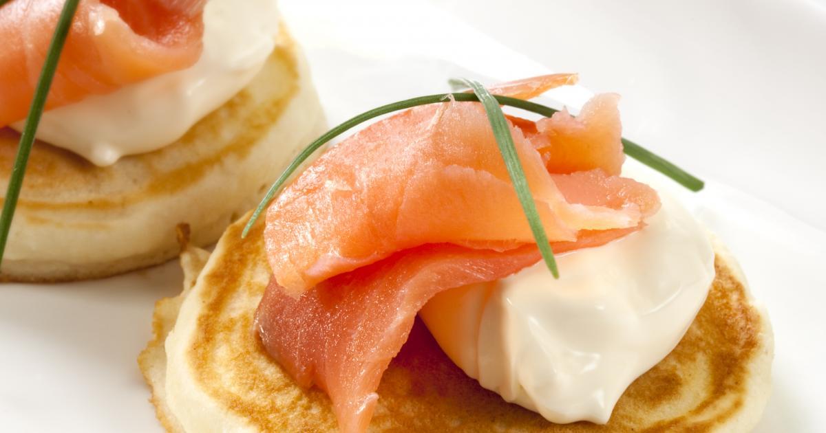 recette blinis au saumon et au fromage frais 750g. Black Bedroom Furniture Sets. Home Design Ideas
