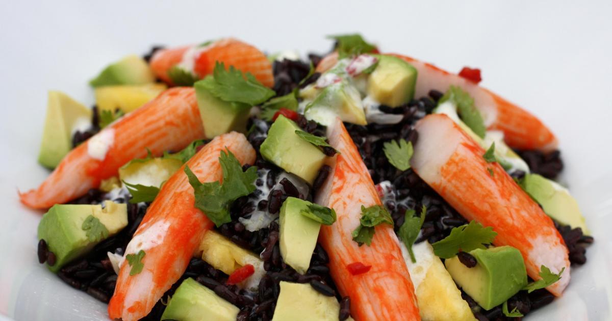 recettes de salade au surimi et ananas les recettes les mieux not es. Black Bedroom Furniture Sets. Home Design Ideas