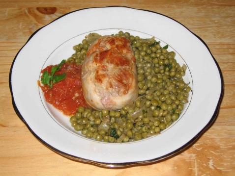 Recette paupiette de veau avec des tomates et des petits - Comment cuisiner des paupiettes de veau ...