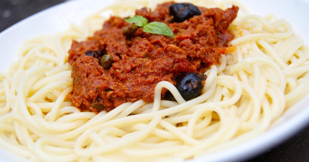 recettes de spaghetti au thon les recettes les mieux not es. Black Bedroom Furniture Sets. Home Design Ideas