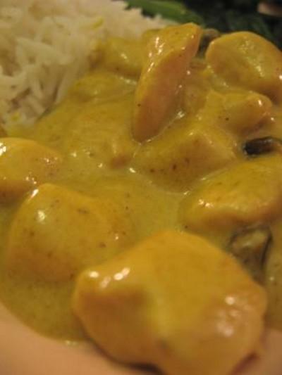 recettes de poulet au curry et raisins secs les recettes les mieux not es. Black Bedroom Furniture Sets. Home Design Ideas