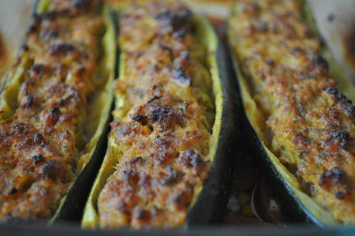 Recette courgettes farcies la viande hach e 750g - Viande facile a cuisiner ...