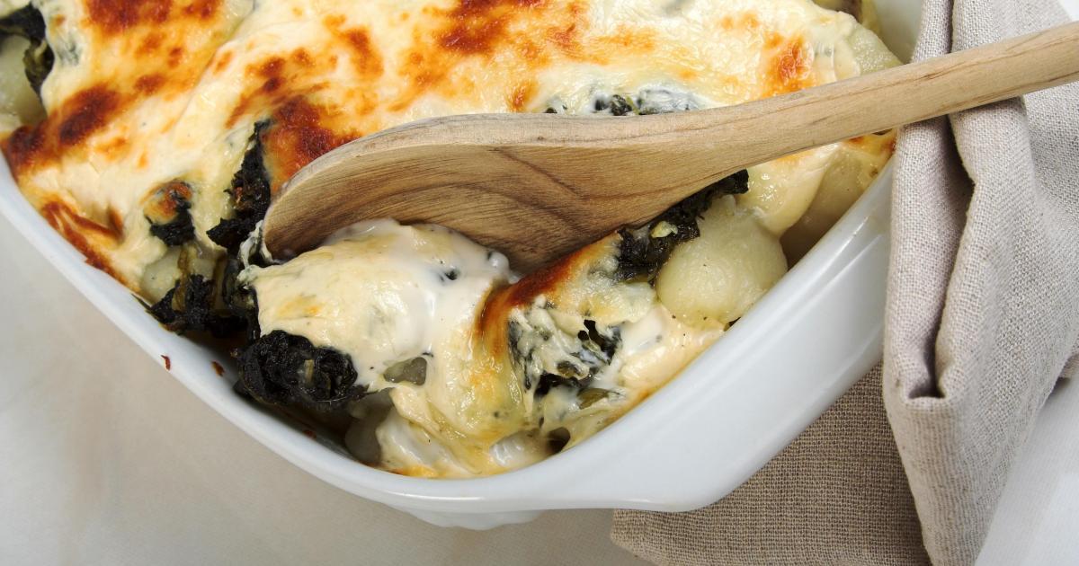 recette gratin de pommes de terre et d 39 pinards au fromage raclette richesmonts 750g. Black Bedroom Furniture Sets. Home Design Ideas