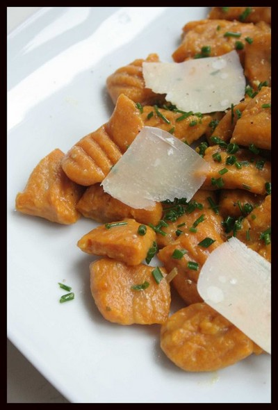 Recette gnocchis de potimarron aux copeaux de parmesan - Cuisiner un potimarron ...