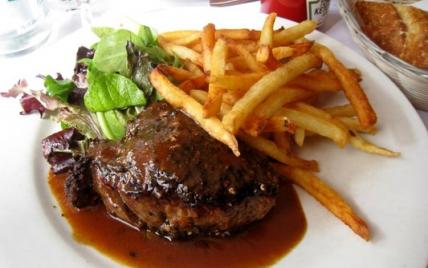 Recettes de steak aux champignons et cr me fra che les - Steak d espadon grille sauce combava ...