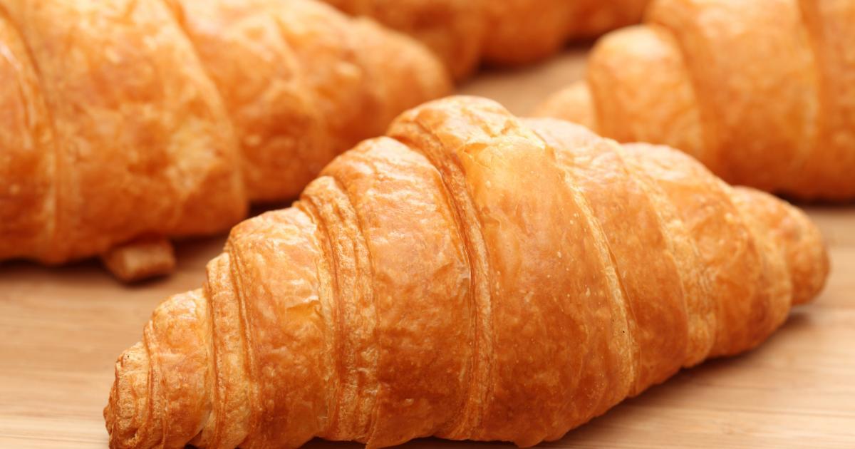 https://static.750g.com/images/1200-630/db57165670a9b9305a612a00820b17d7/croissants-maison.jpg