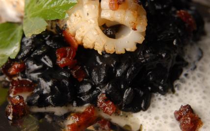 Recette chipirons la plancha riz acquarello l 39 encre de seiche mulsion de parmesan - Chipirons a la plancha ...
