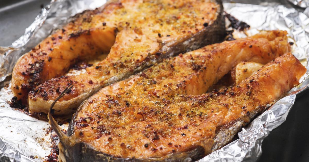 Recette darnes de saumon frais grill es en cro te d - Cuisiner darne de saumon ...