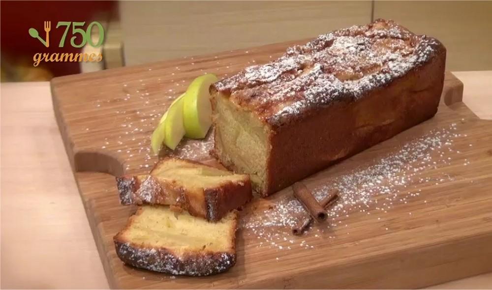 recette cake aux pommes en vid o. Black Bedroom Furniture Sets. Home Design Ideas