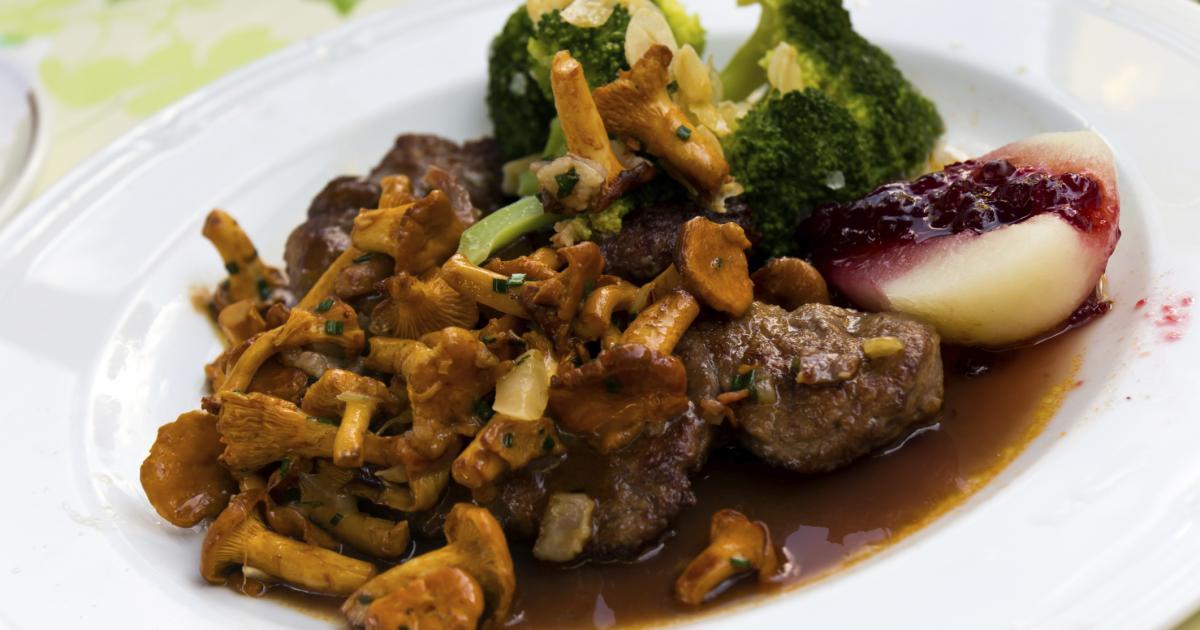Recette filet de chevreuil aux chanterelles sauce grand veneur 750g - Comment cuisiner le sanglier ...