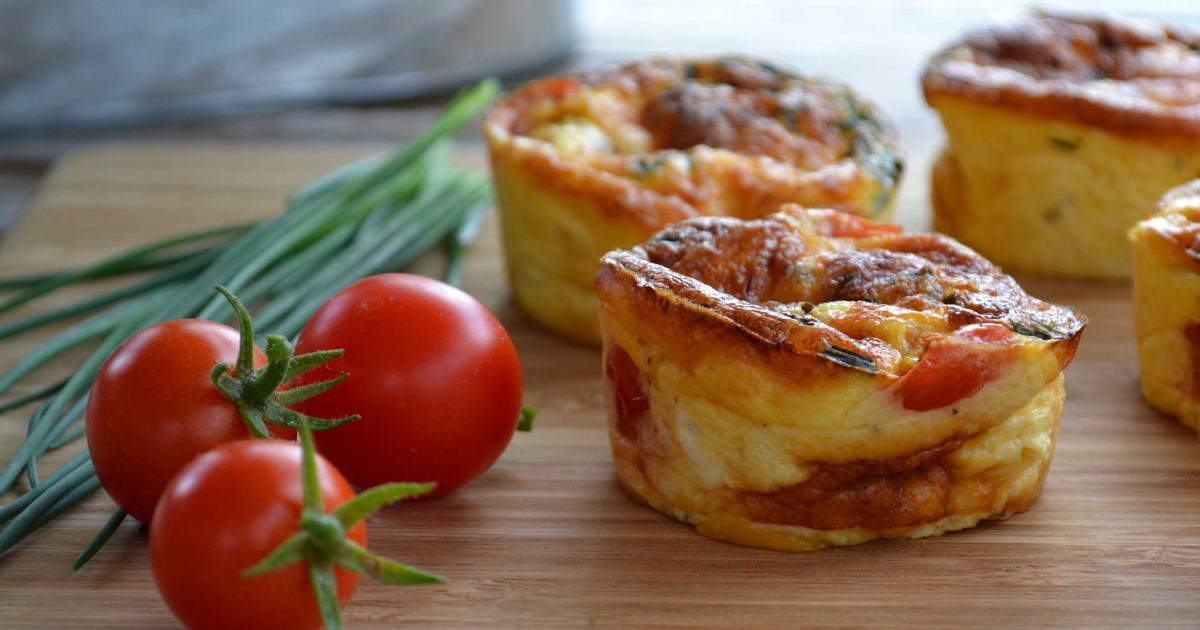 Recette mini quiches au poulet cheddar tomates cerise - Recette de cuisine quiche au poulet ...