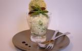 Verrine de risotto aux asperges vertes, morilles et estragon, tuile de parmesan et pavot