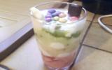 Verrine kiwi-banane-fraise