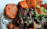 Daube de taureau oignons carottes persil mijoté au cognac et Vaqueyras