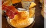 Tiramisu parmesan-tomates confites et sa chips de jambon de Parme