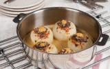 Oignons des Cévennes farcis au veau, épinards et parmesan