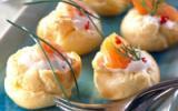 Petits choux à la crème et au saumon