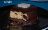 Mousse au caramel au beurre salé sur biscuits aux cookies - Glaçage au chocolat