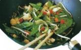 Wok de légumes façon thaïlandaise