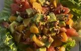 Salade d'avocat et d'agrumes
