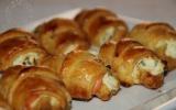 Mini croissants au saumon fumé, philadelphia et ciboulette