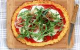 Pizza sans gluten à base de chou-fleur