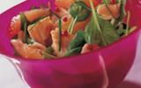Salade de truite aux pousses d'épinard et pamplemousse rose
