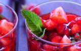 Salade de fraises, menthe et poivre noir