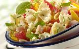 Salade de pâtes gorgée de soleil