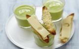 "Soupe d""avocat glacée et crostinis d'emmental Grand Cru"