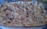 Gratin de pommes de terre avec escalope et champignon